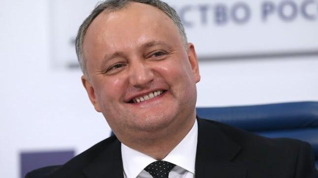 Intelectuali de la Chișinău contestă inițiativa președintelui Igor Dodon de a organiza festivități pe 24 august
