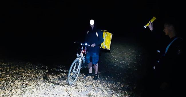 Pompierii au salvat un curier de la Glovo, rătăcit noaptea în Pădurea Verde. Tânărul livra un pachet în Dumbrăvița