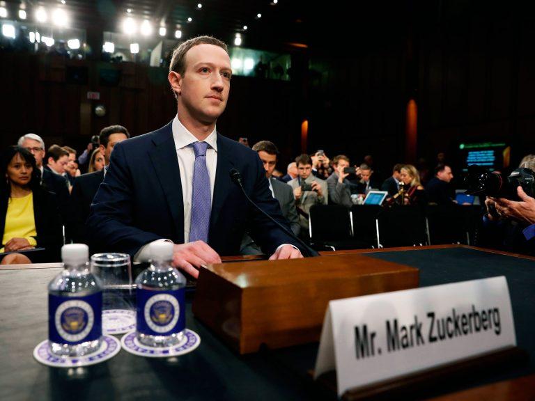 Facebook, obligată să plătească o amendă de 580.000 de euro în scandalul Cambridge Analytica