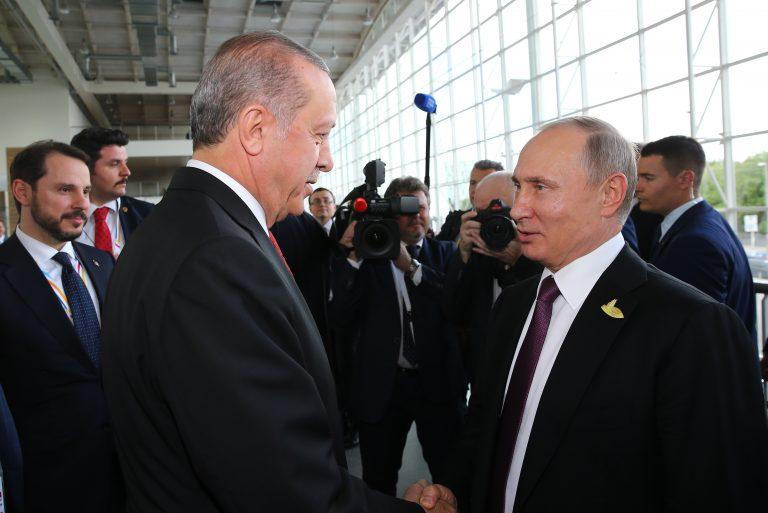 Acord Kremlin-Ankara, în cadrul unor negocieri dintre Erdogan și Putin: Patrule ruso-turce vor fi detașate în nord-estul Siriei