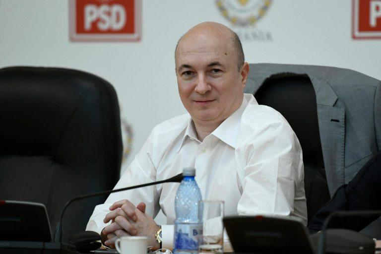 Codrin Ștefănescu îl ironizează pe Klaus Iohannis într-o postare pe Facebook