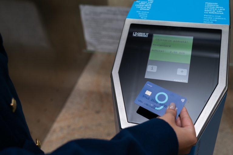 Metrorex a implementat sistemul de plată cu cardul contactless în 9 stații de metrou