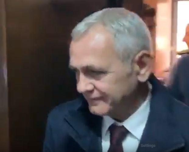 Liviu Dragnea, a doua ieșire din penitenciar. A fost dus cu duba la instanța supremă, unde cere anularea deciziei de condamnare la închisoare / Fostul lider PSD a renunțat la mustață