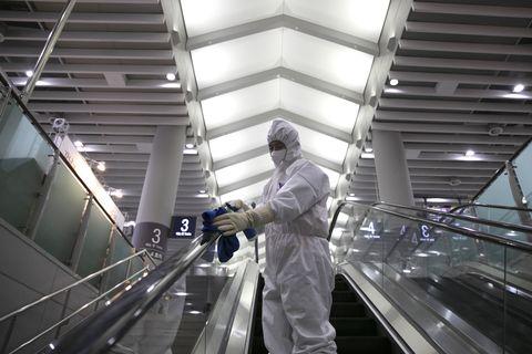 Coronavirus: Lumea ar trebui să se pregătească pentru pandemie, spune OMS
