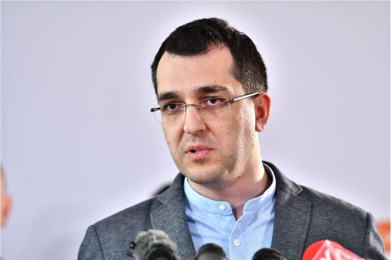 Abia acum începe CATASTROFA: Vlad Voiculescu a anunțat că medicii nu vor mai răspunde pentru malpraxis